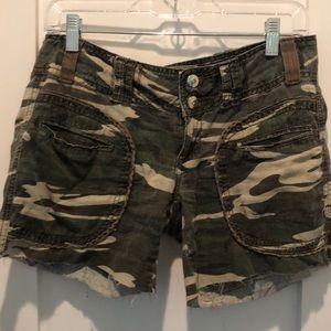 Miss Me camouflage shorts size small